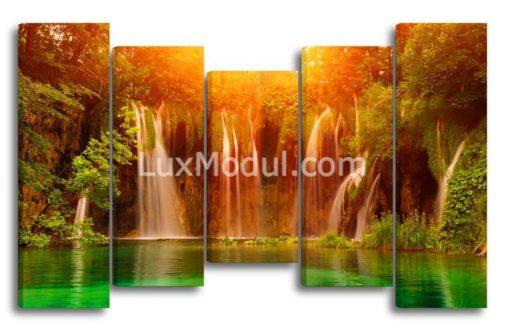 Пейзаж-с-водопадом-главная(89х145см)